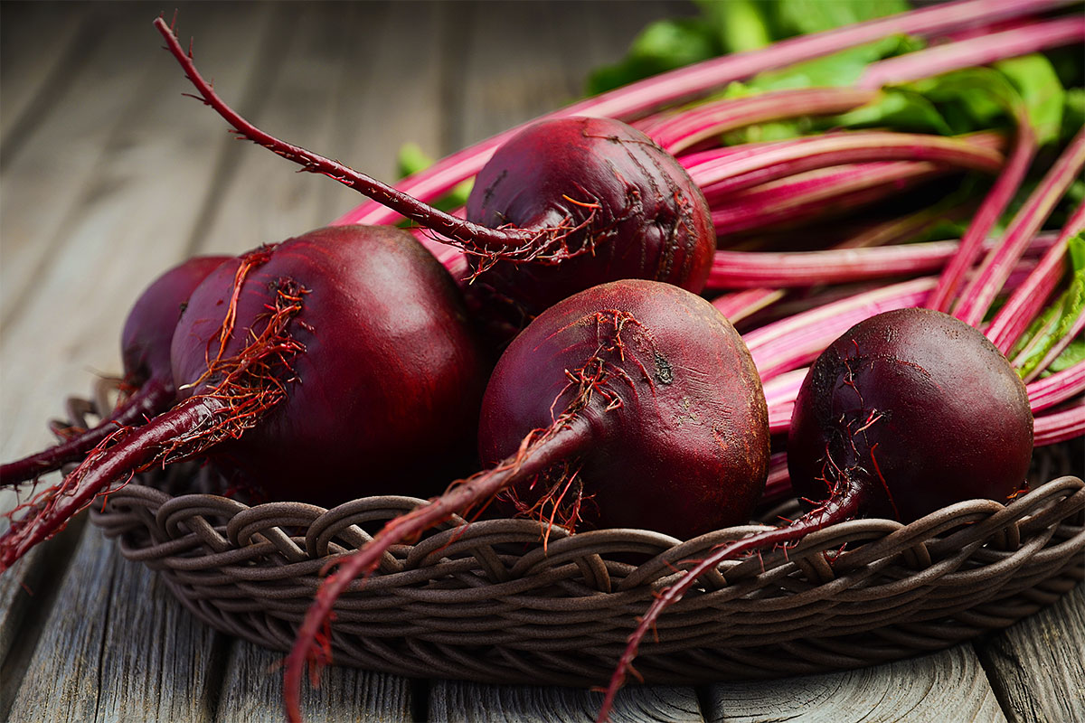 Red Beets (with Tops)